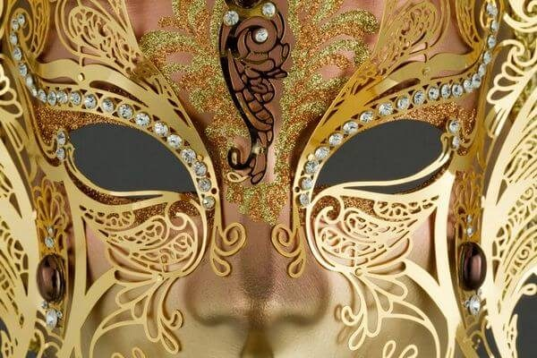 Face with two Wings in Metal and Rhinestone - Bronze Color - Detail 1 - Venetian Mask