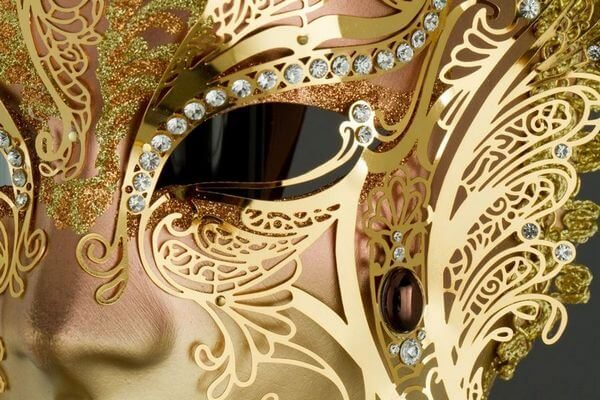 Face with two Wings in Metal and Rhinestone - Bronze Color - Detail 2 - Venetian Mask
