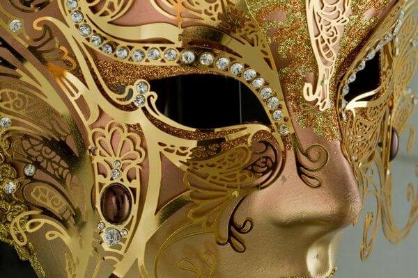 Face with two Wings in Metal and Rhinestone - Bronze Color - Detail 3 - Venetian Mask