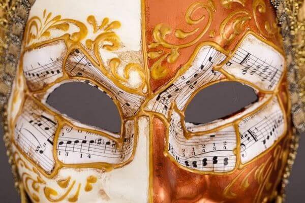 Jolly René Tips in Paper-Mache - Detail 3 - Venetian Mask