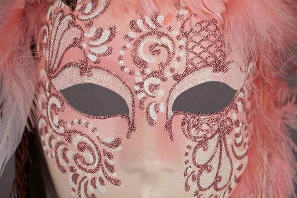 Piuma Sonia Pink - Detail 2 - Venetian Mask