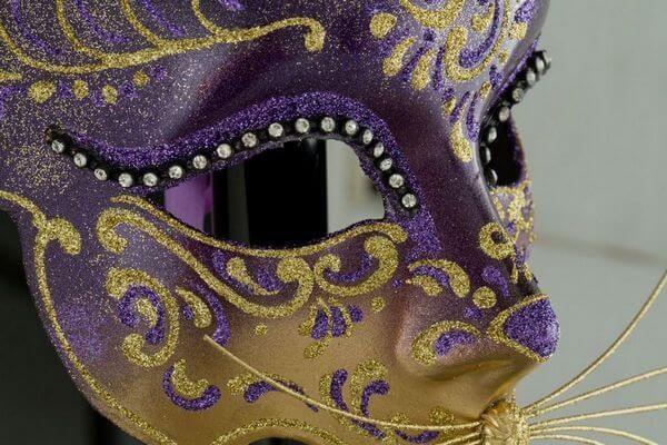 Cat Mask with Metal Ears - Violet Color - Detail 3 - Venetian Mask