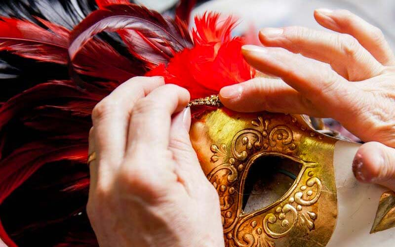 Artisanal-venetian-masks-made-in-italy-Venezia-Maschere-by-La-Gioia-rt-16