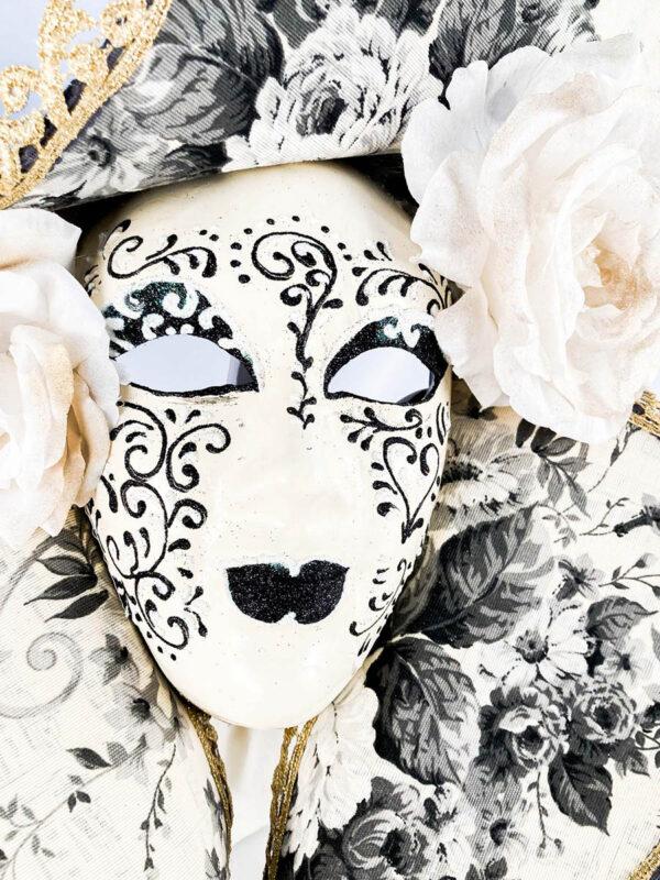 dama_cappello_grande_bianco_nero_handmade_mask_original_venetian_434c-biane4